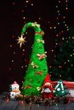 手工制造圣诞树关闭作为背景 库存照片