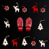 手工制造圣诞节装饰品的汇集 免版税库存图片