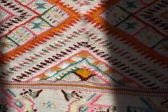 手工制造地毯 传统羊毛手工制造地毯 免版税库存照片