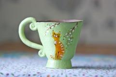 手工制造的杯子 免版税库存照片