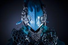 手工制造称呼一个鸟或神话图与蓝色翼 库存照片
