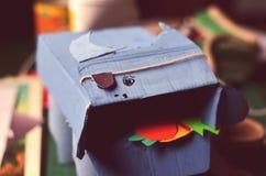 手工制造纸板玩具 库存图片
