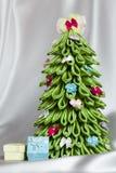 手工制造织品圣诞树 免版税库存照片