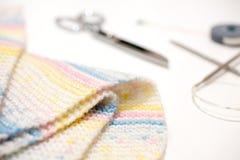 手工制造羊毛用编织的设备 编织针框架  免版税库存图片