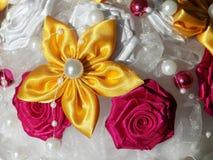 手工制造美丽的花束 库存照片