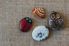 手工制造被绘的石头 库存图片
