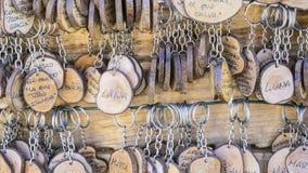 手工制造钥匙圈以people& x27变化; s名字,工艺品g 免版税库存照片