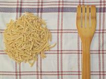手工制造面条,土耳其食物,面条食物 免版税库存图片