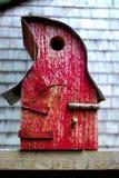 手工制造鸟舍红色 库存图片