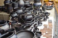 手工制造黏土瓦器工艺盘罐杯子水罐 库存照片