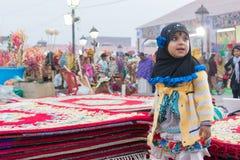 手工制造黄麻地毯,印地安工艺品公平在加尔各答 库存图片