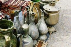 手工制造水罐和俄国式茶炊 免版税库存图片