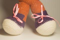 手工制造kniting的羊毛玩具 库存图片