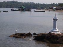 手工渔业舰队退回到的口岸在钓鱼,在果阿,印度的day's以后 免版税库存图片