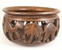 手工造古色古香的骆驼被构造的布朗红木木碗 库存照片