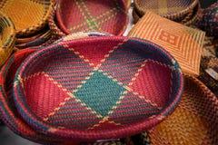 手工造由干凤眼兰做的篮子 库存照片