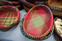 手工造由干凤眼兰做的篮子 免版税库存照片