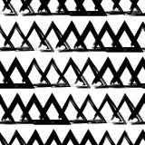 手拉的三角无缝的黑白背景  排行笔纹理  皇族释放例证
