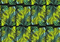 手拉的与异乎寻常的密林棕榈叶的传染媒介摘要热带无缝的样式和徒手画的纹理以绿色 库存图片