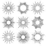 手拉的传染媒介葡萄酒元素-镶有钻石的旭日形首饰的(破裂的)光芒 皇族释放例证