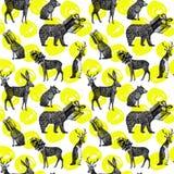 手拉的冬天动物无缝的背景 免版税图库摄影