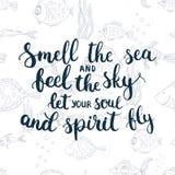 手拉的印刷术字法词组气味海和感觉天空让您的灵魂和精神飞行 库存照片