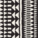 手拉的被绘的无缝的样式 传染媒介部族设计背景 种族主题 几何种族条纹线 免版税库存照片