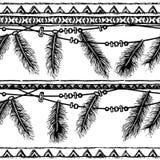 手拉的被绘的无缝的样式 与羽毛和条纹的边界 黑白颜色 免版税库存图片