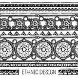 手拉的被绘的无缝的样式 黑白颜色 套墨水种族条纹和梦想俘获器 库存照片