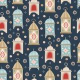 手拉的装饰阿拉伯灯笼和星 美好的estive无缝的样式 贺卡,穆斯林的邀请 皇族释放例证