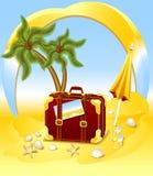 手提箱为在海滩的夏天 免版税库存图片