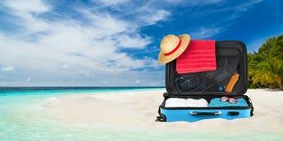 手提箱海滩 库存图片