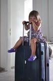 手提箱的孩子 免版税库存照片