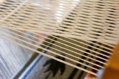 手摇纺织机印地安人编织 库存图片