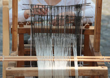 手摇纺织机织机 库存照片