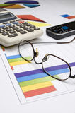 手机、镜片和计算器 免版税库存图片
