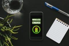 手机正面图有无线充电的在屏幕 库存图片