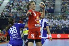 """手球妇女EHF拥护同盟决赛4 †""""ZRK BUDUCNOST波多里加对 ZRK瓦尔达尔河斯科普里 免版税库存照片"""