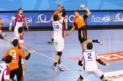 手球比赛马达扎波罗热对Kadetten沙夫豪森 免版税库存图片