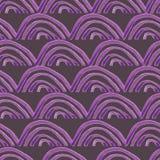 手画紫色加调料烘烤在紫色背景的无缝的样式 皇族释放例证