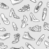 手的无缝的样式速写了鞋子,黑白 库存例证