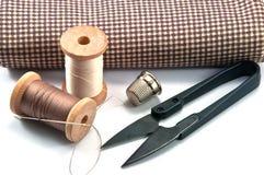 手缝合的工具 免版税图库摄影