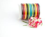 手镯五颜六色的塑料 免版税图库摄影