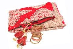 手镯新娘印第安lehnga 免版税库存图片