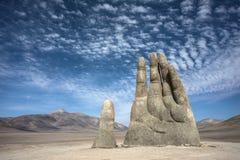 手雕塑,阿塔卡马沙漠的标志 库存照片