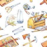手画人` s工作例证 与木匠业工具的无缝的样式 水彩工具箱,轮盘赌,锤子 免版税库存照片