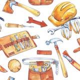 手画人` s工作例证 与木匠业工具的无缝的样式 水彩轴,刀子,锤子,盔甲 免版税库存照片