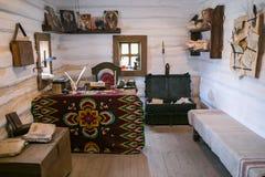 扎波罗热-乌克兰, 2015年5月02日:内部和日常生活在Zaporizhian哥萨克人博物馆在霍尔蒂恰岛, Zapor海岛上的  库存照片