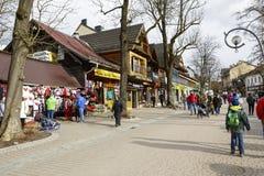 扎科帕内,在Krupowki街道的全视图 免版税库存图片