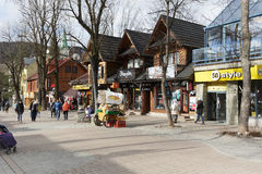 扎科帕内,在Krupowki街道的全视图 图库摄影
